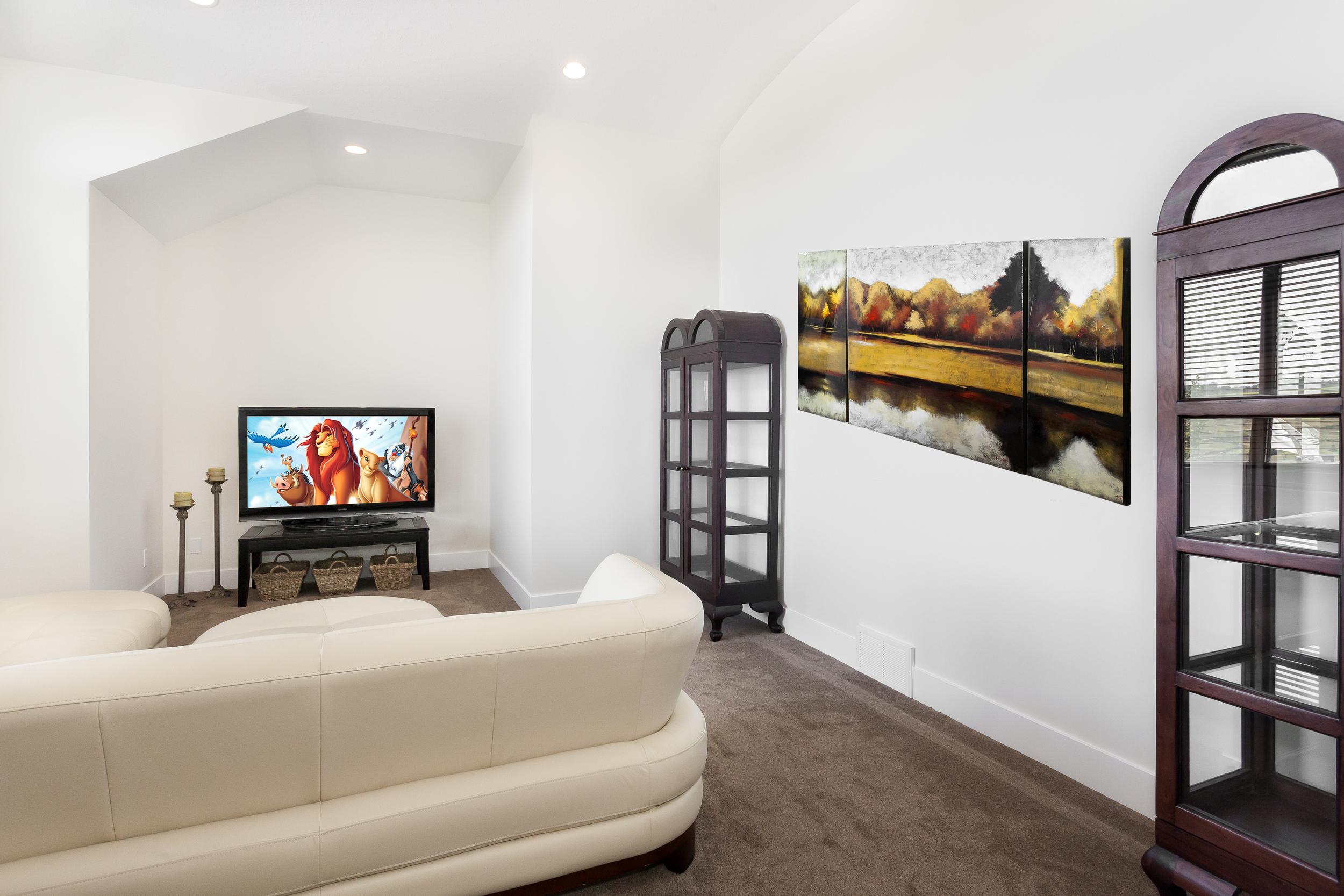1188 Genesis Lake Boulevard-9245-painting & tv.jpg