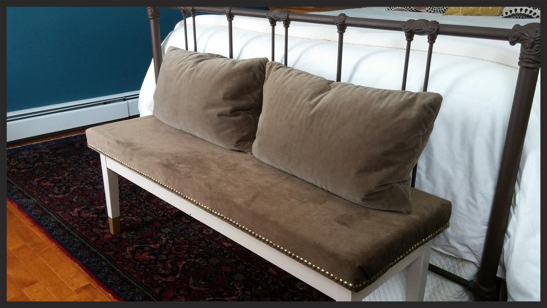 Knickerbocker room bench