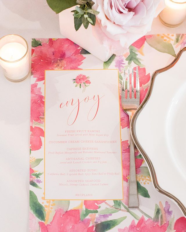 Custom menu placemats...think about it!  They were such a fun way to incorporate the menu and add pattern and color to the place setting designs for #kcplans 2017.  Could they be fun addition to your table design?  @claireryser  @eventsbyelle @goodearthfloral  @ultrapom @thegalleryeventspace