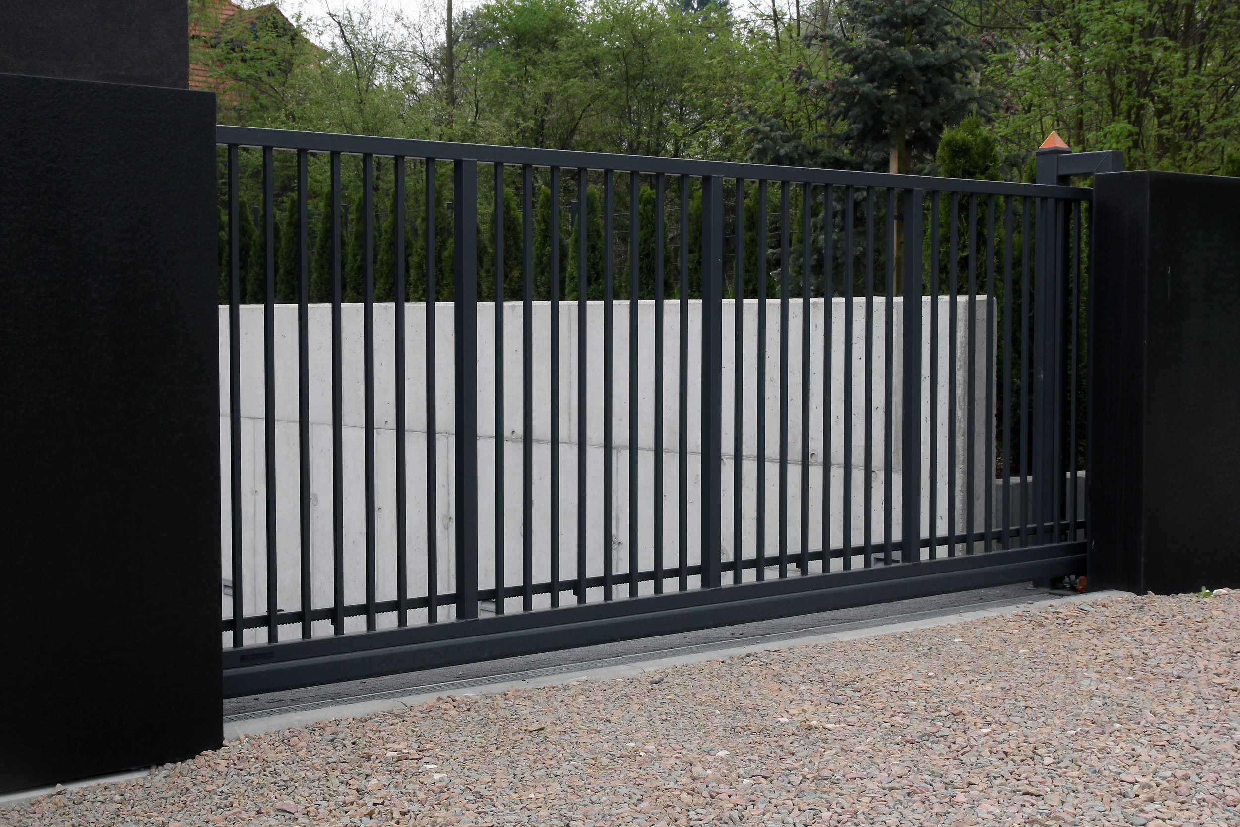 Gate Automation - Security gates are an essential component of industrial and restricted-access facilities. The purpose of an automatic security gate is to ensure that access to specified grounds is limited to authorised personnel.