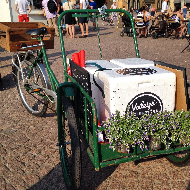 Voileipä-polkupyörä means sandwich bicycle.