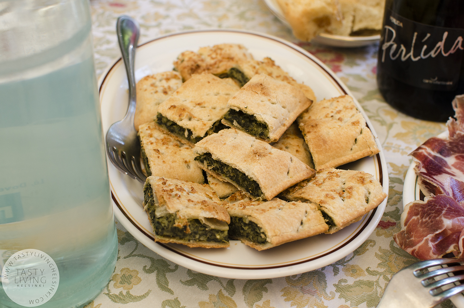 Erbazzone is one of my favorites in the Italian cuisine. It's a spinach pie.