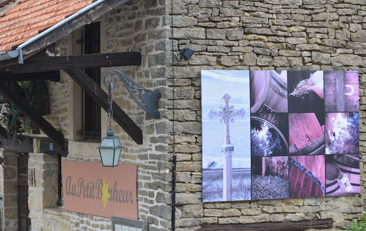 Au Petit Bonheur in the ancient village of Curteil Vergy