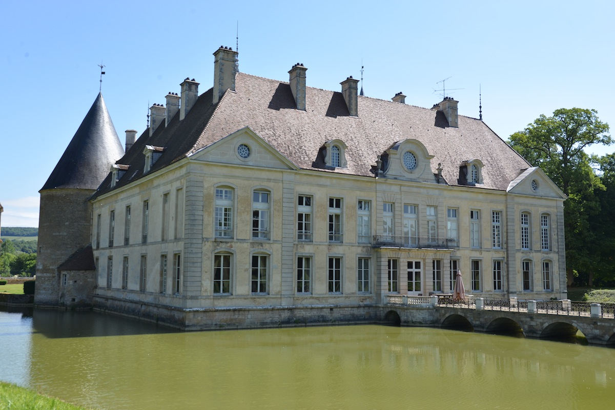 The Chateau de Commarin is 45 minutes from Gevrey, and in part open to visitors. On the 18 May it is hosting an exhibition of work by the sculptor Jean-Marc de PAS