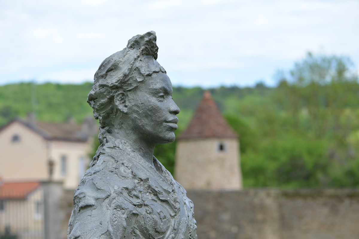 Sculpture by Jean-Marc de PAS in the grounds of Commarin, Burgundy