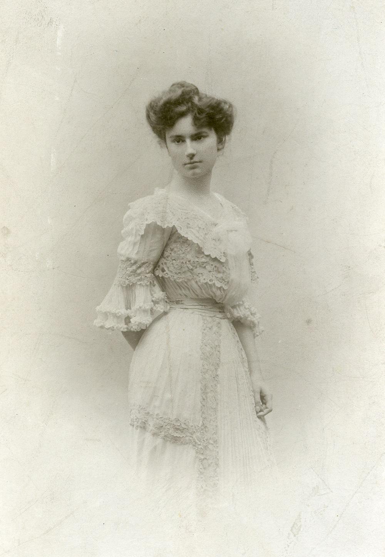 Jane Regnier in 1888