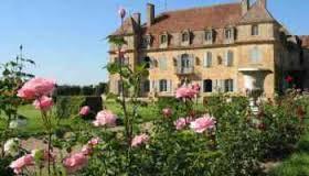 Location :  Place du Château , 21270 Talmay  Contact : +33 3 80 36 13 64