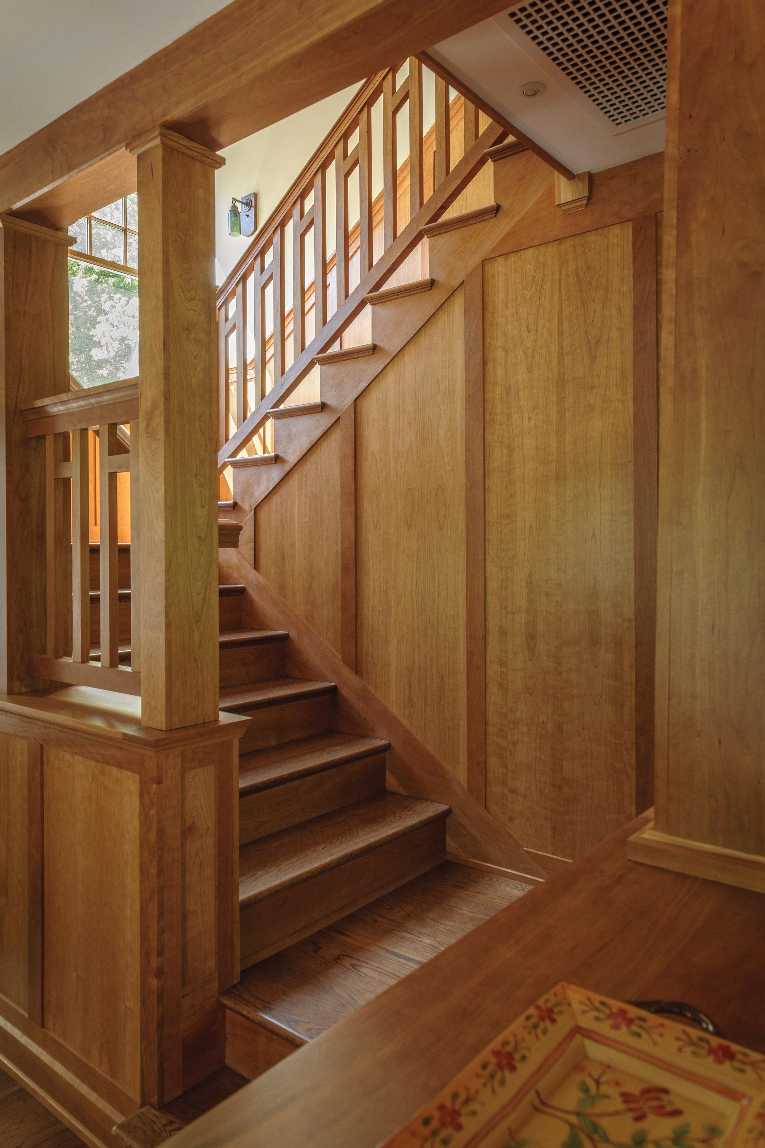 Clites_craftsmanbungalow_stairs.jpg
