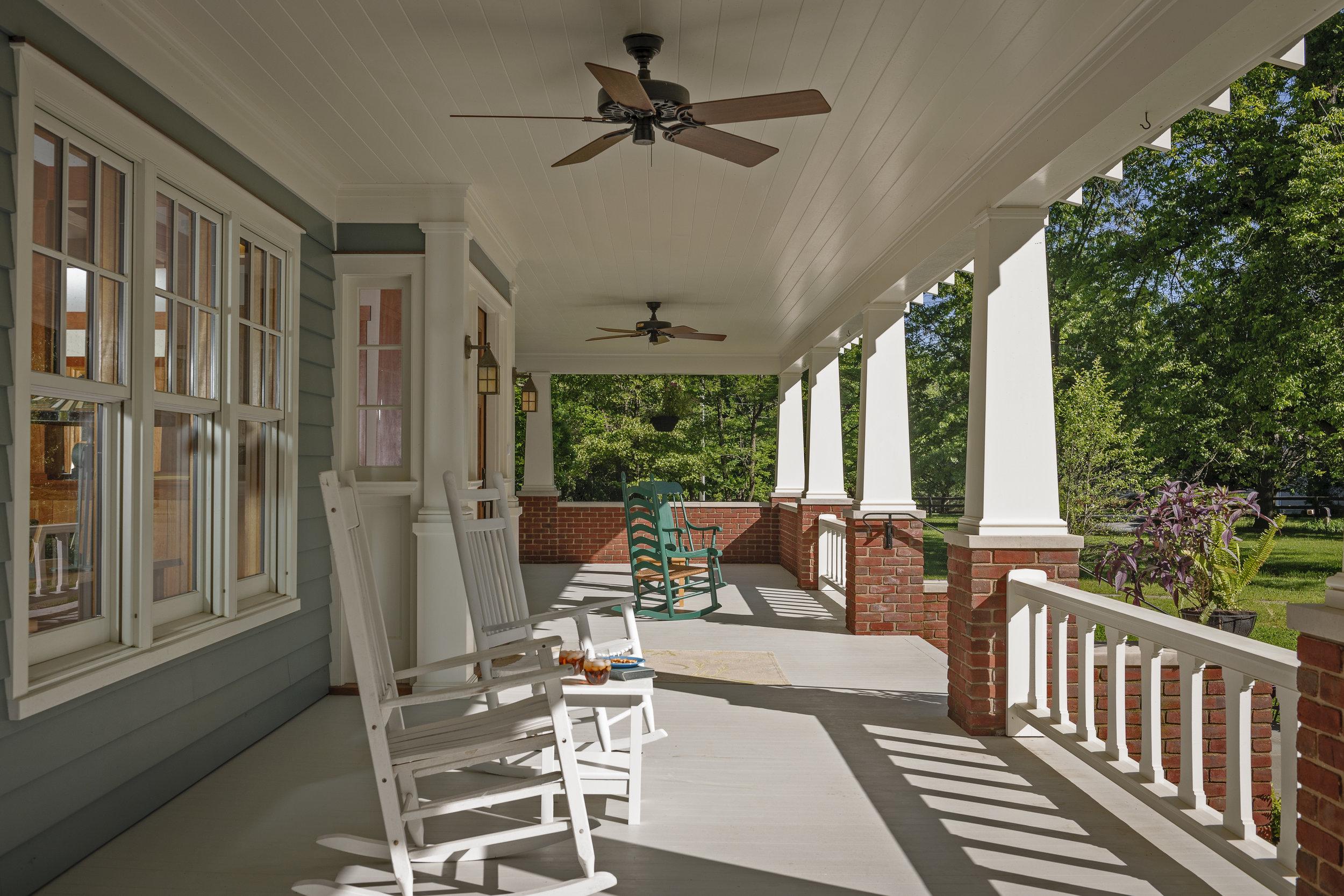 Clites_Craftsman_bungalow_frontporch.jpg