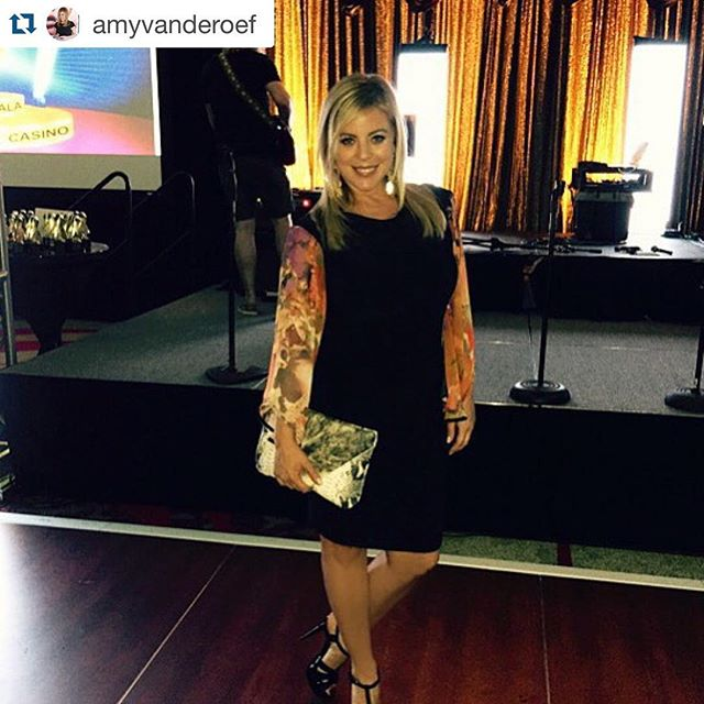 Love seeing happy clients! Looking beautiful @amyvanderoef !! #python #lauren #clutch Repost @amyvanderoef with @repostapp. ・・・ Dress by @abiferrin, bag @morrisonhandbags, glam by @jeanphilippesalon. What a great night to honor Sydney! #curestartsnowtx
