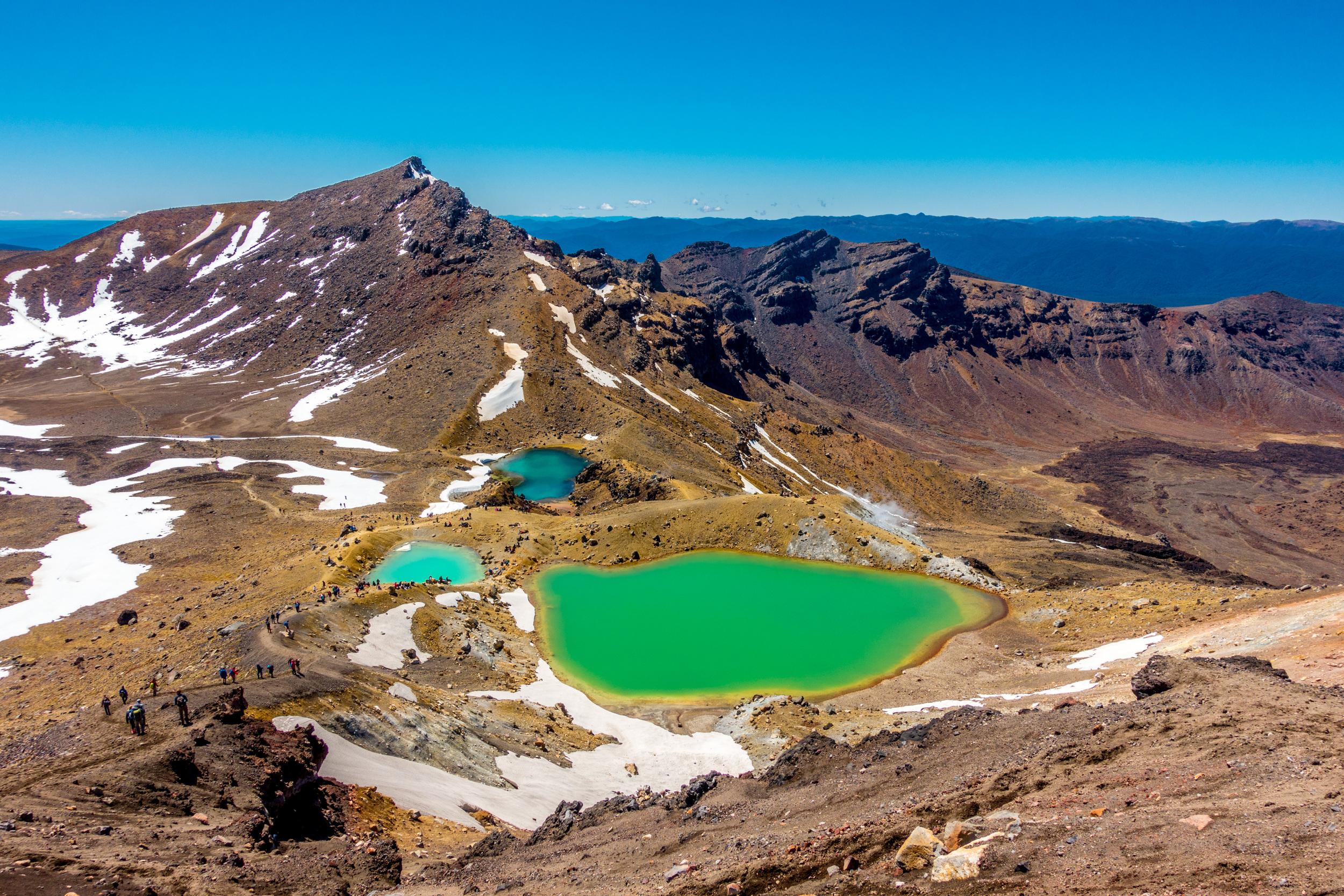 tongariro_emerald_lakes