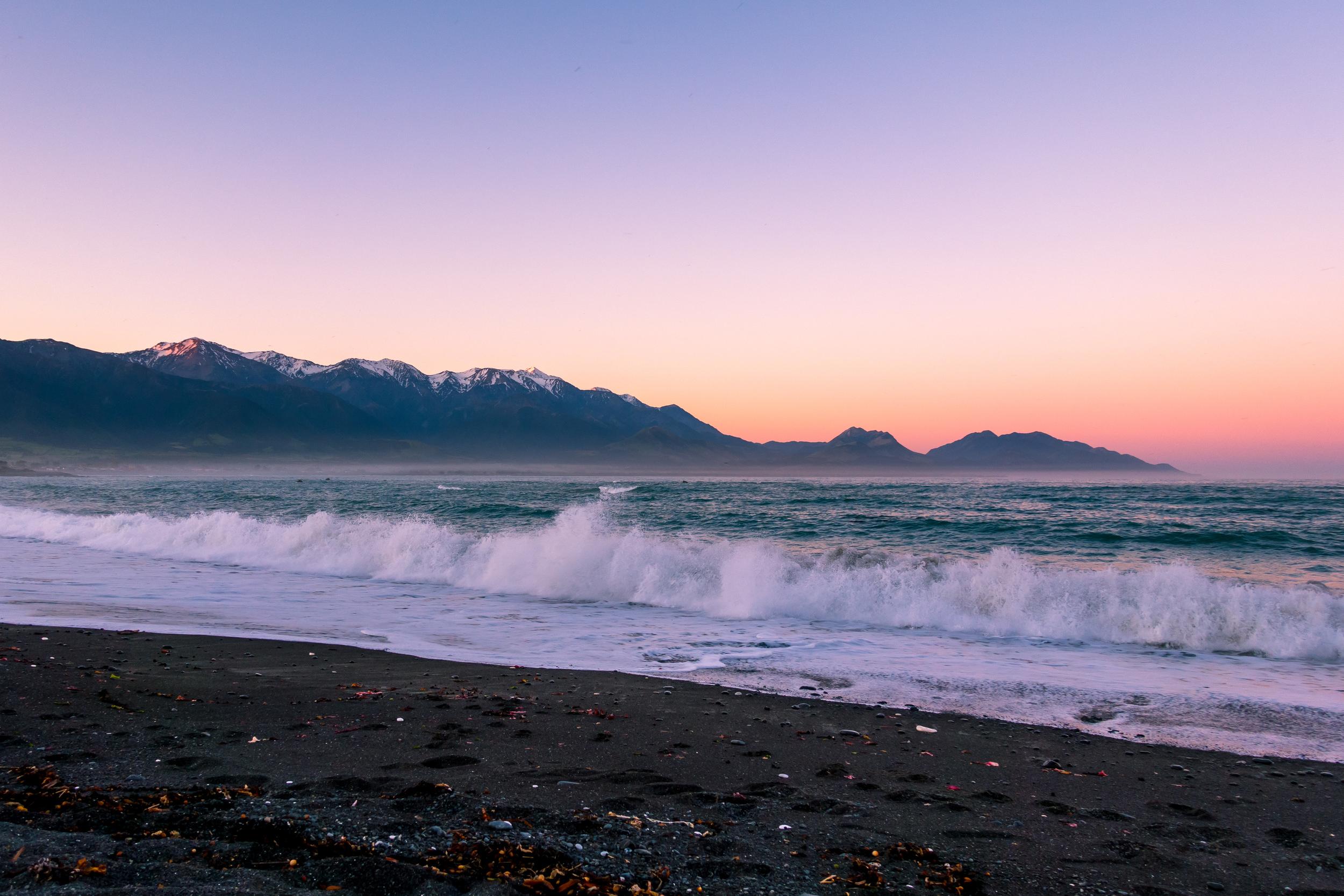 NEW ZEALAND -KAIKOURA BEACH