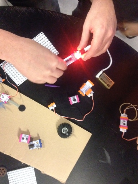 LittlesBits i Scratch amb AnoiaLab