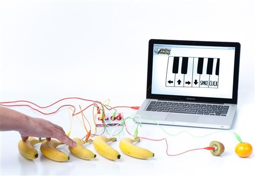 Petits Inventors - 9 a 13hInventarem instruments musicals per animar les festes de nadal. Farem música amb platans, tot experimentant amb les plaques Makey Makey.+ 6 anys60€ - 3 diesPLACES LIMITADES