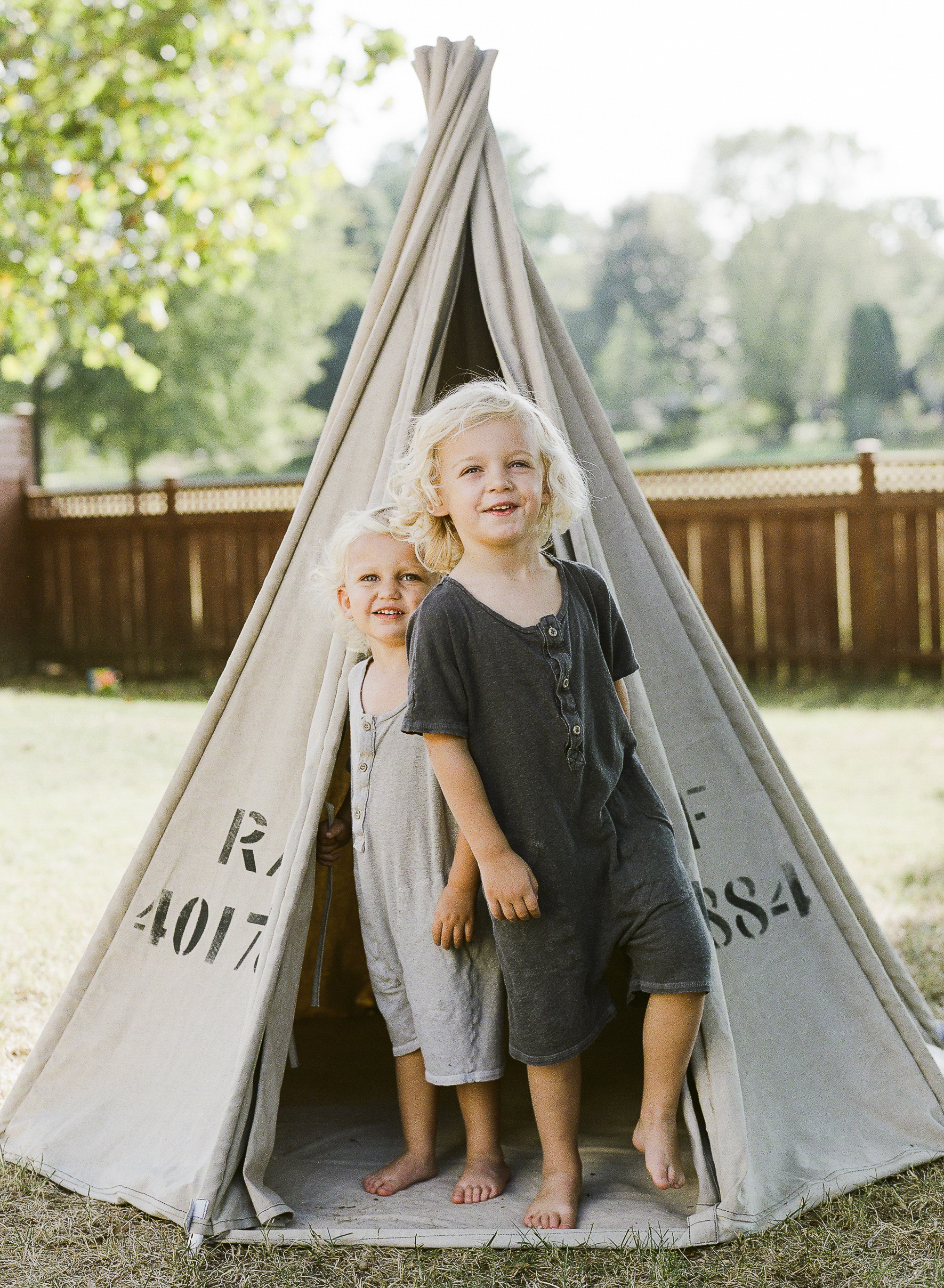 Brandon Chesbro Family Photographer Photo-7.jpg