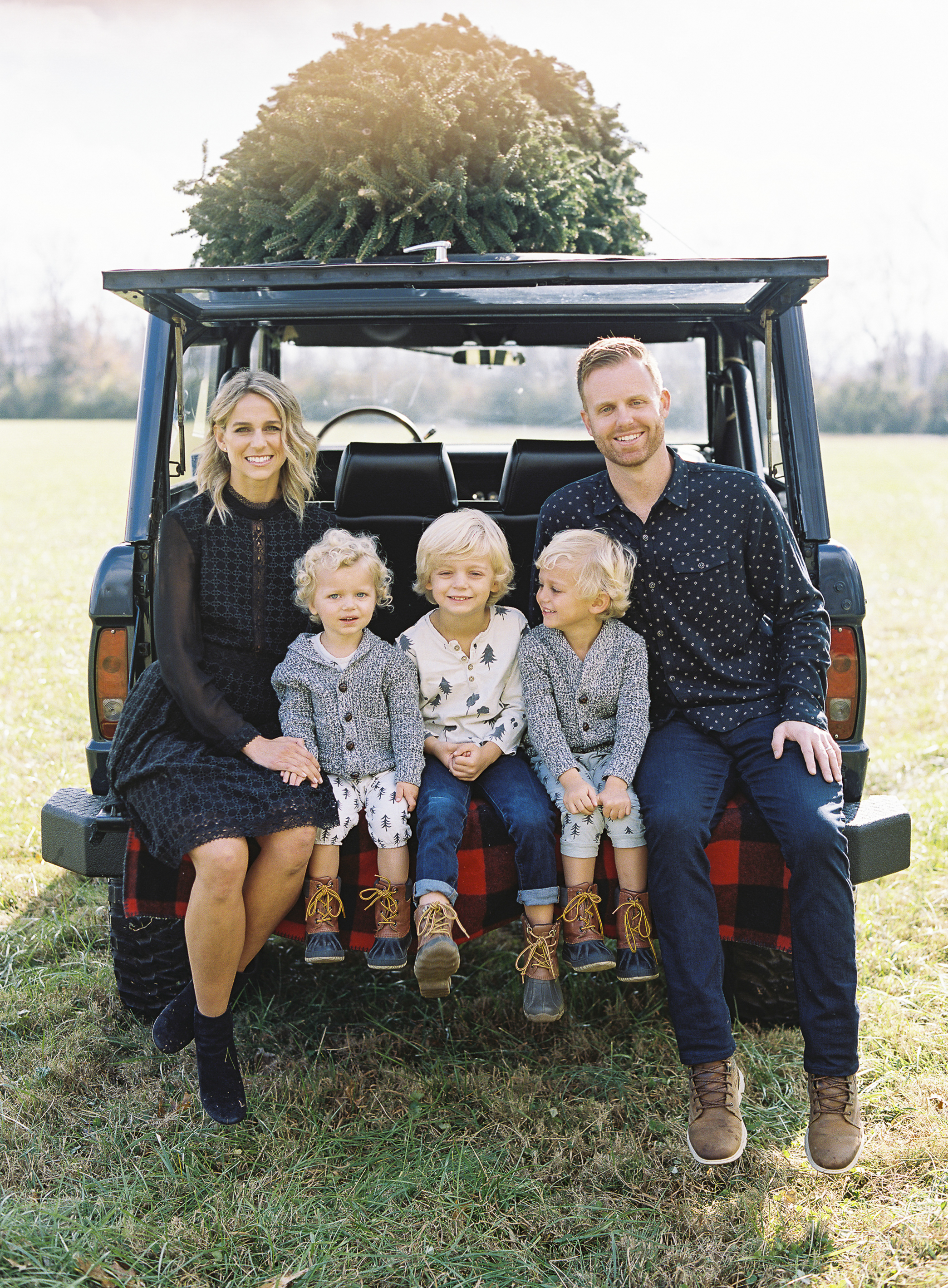 Brandon Chesbro Family Photographer Photo-8.jpg