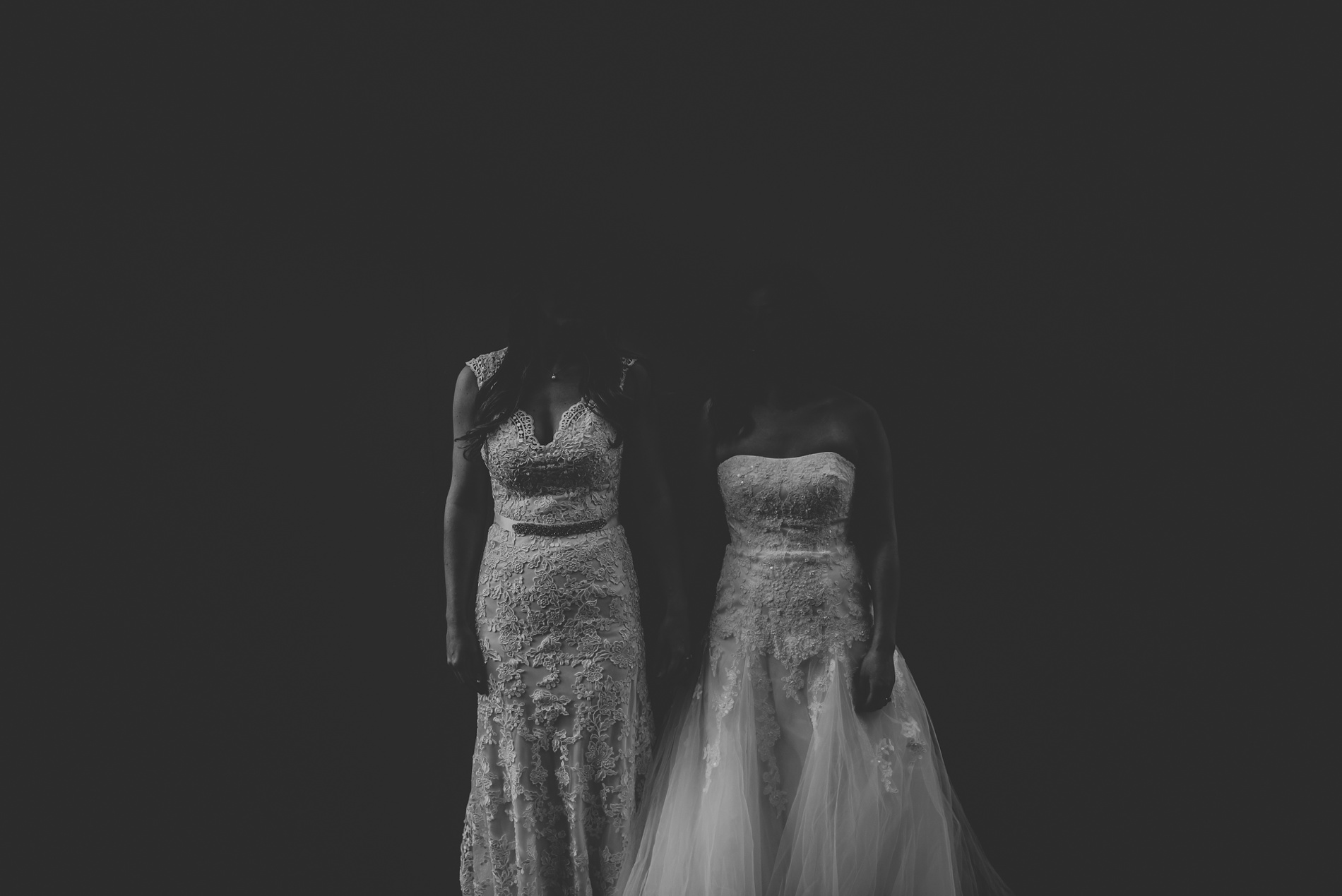WeddingTorontoLoveisLove004_.jpg