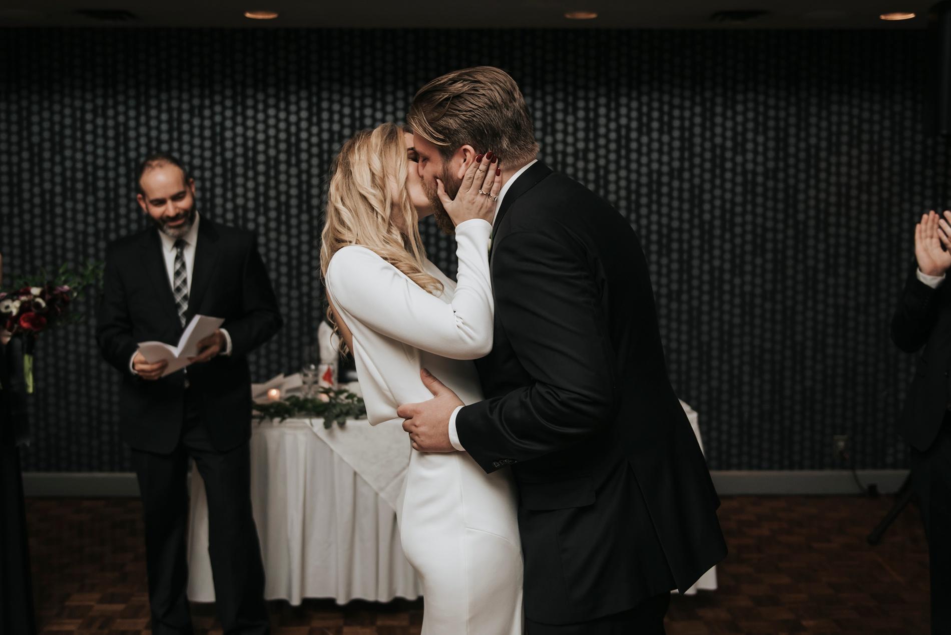 WeddingTorontoEastPhotographer_0048.jpg