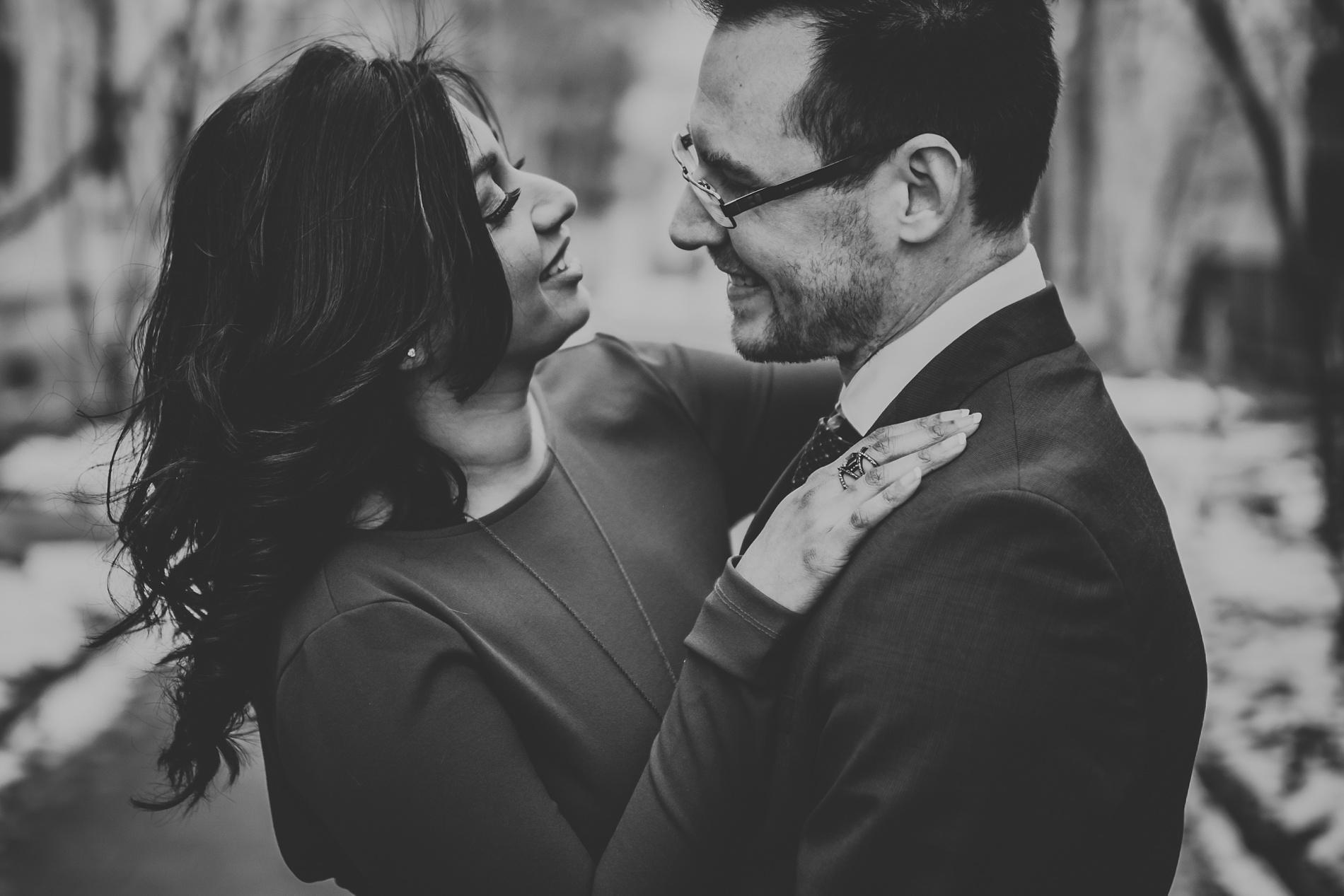 toronto-Wedding-photographer-best-engagement-shoot-uoft_0011.jpg