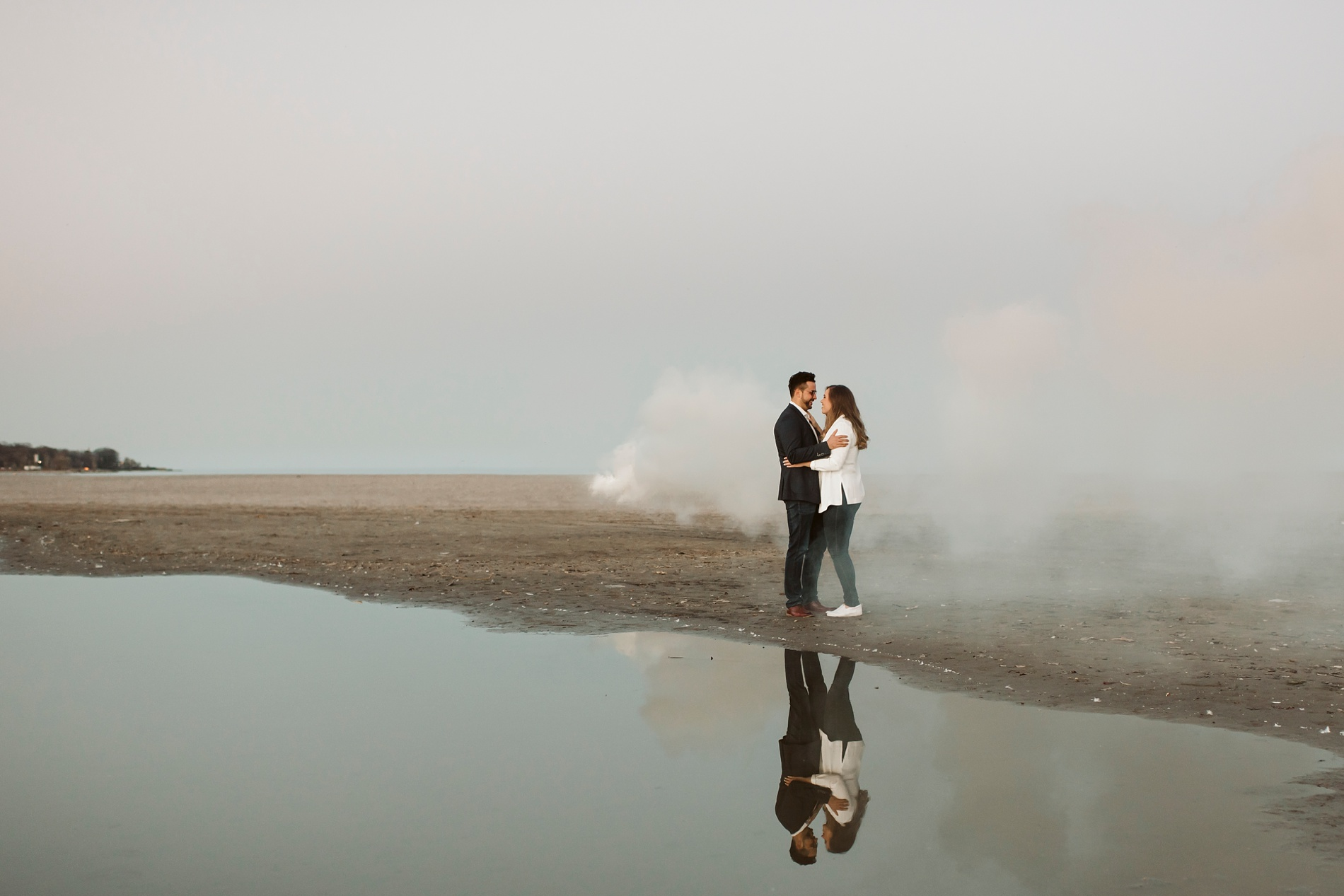 Best_Toronto_Wedding_Photographers_Woodbine_Beach_Engagement_0028.jpg