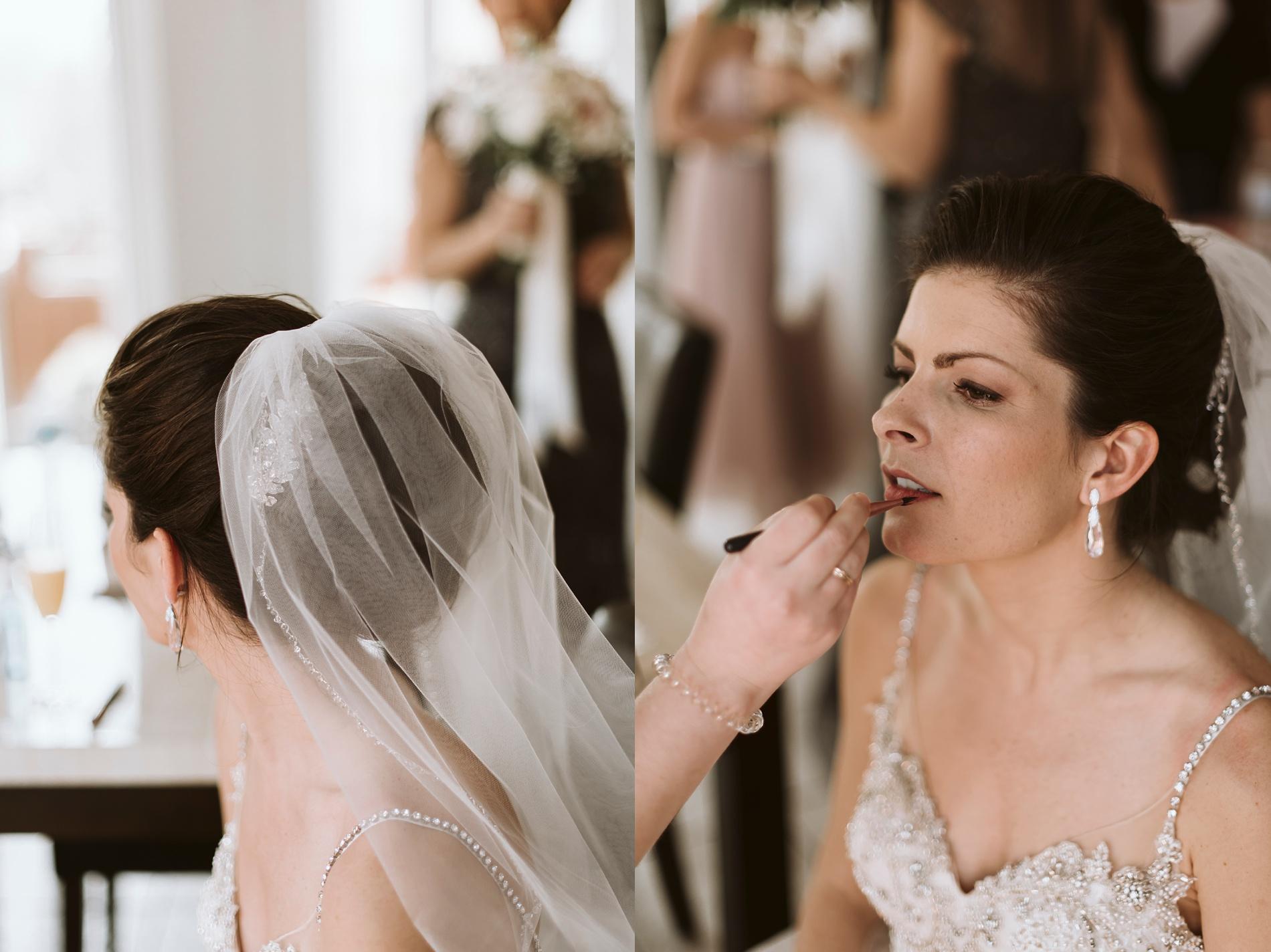 Best_Toronto_Wedding_Photographers_Glenerin_Inn_Mississauga_0011.jpg
