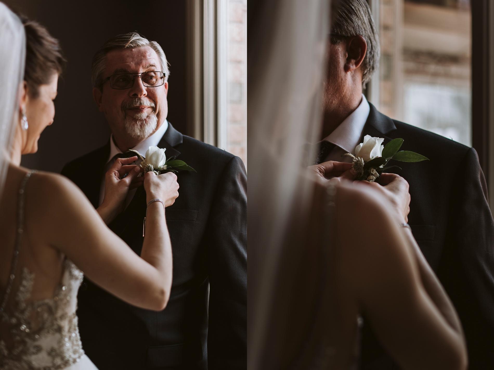 Best_Toronto_Wedding_Photographers_Glenerin_Inn_Mississauga_0014.jpg