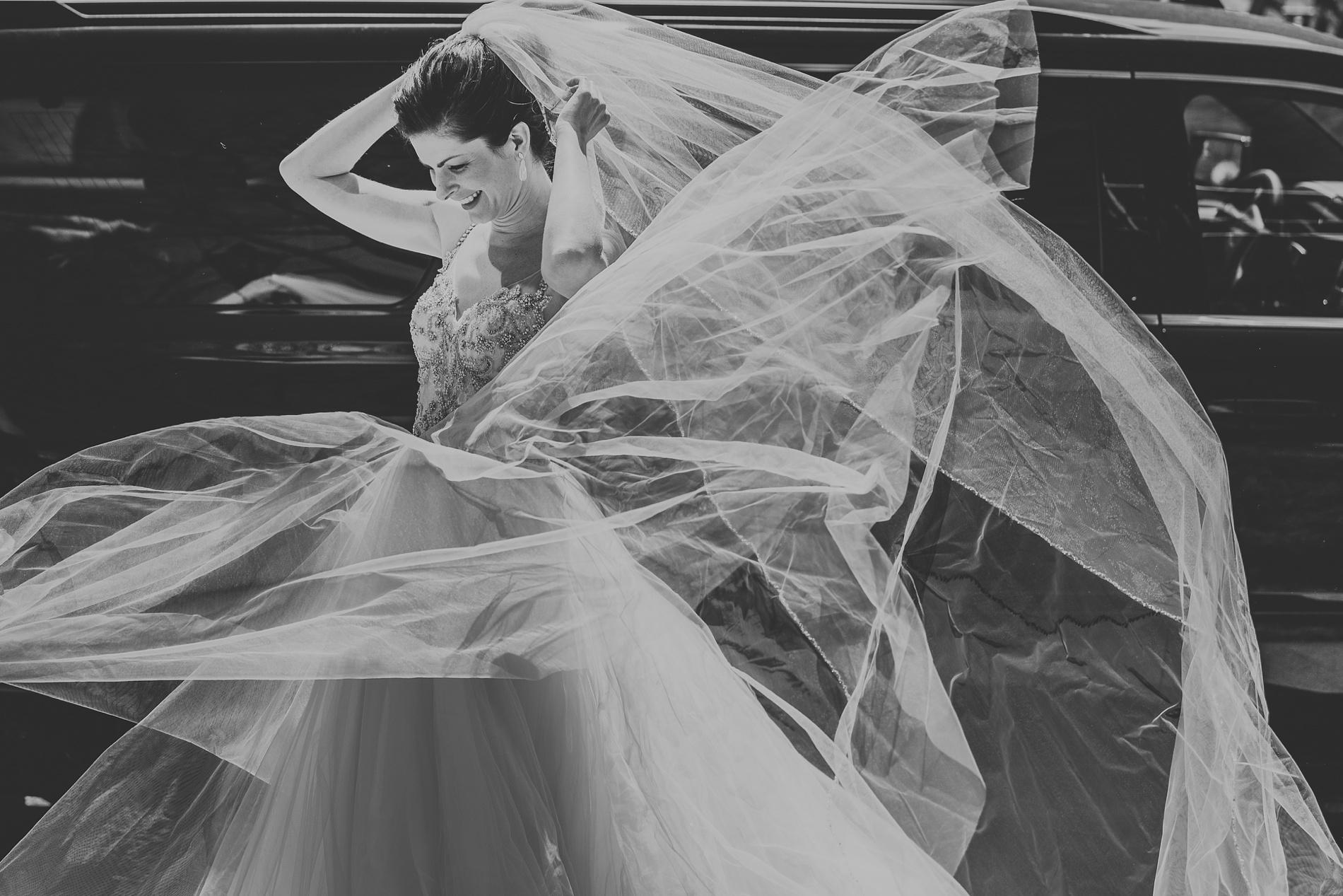 Best_Toronto_Wedding_Photographers_Glenerin_Inn_Mississauga_0016.jpg