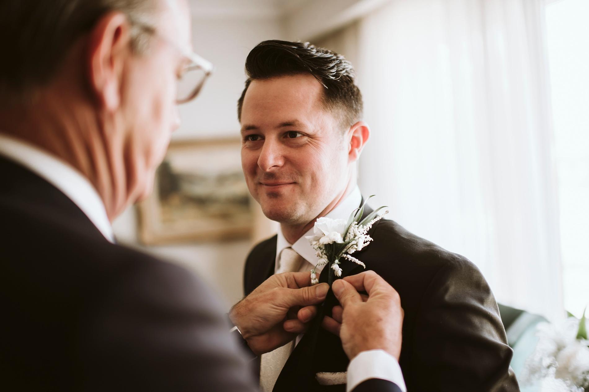 Best_Toronto_Wedding_Photographers_Glenerin_Inn_Mississauga_0020.jpg