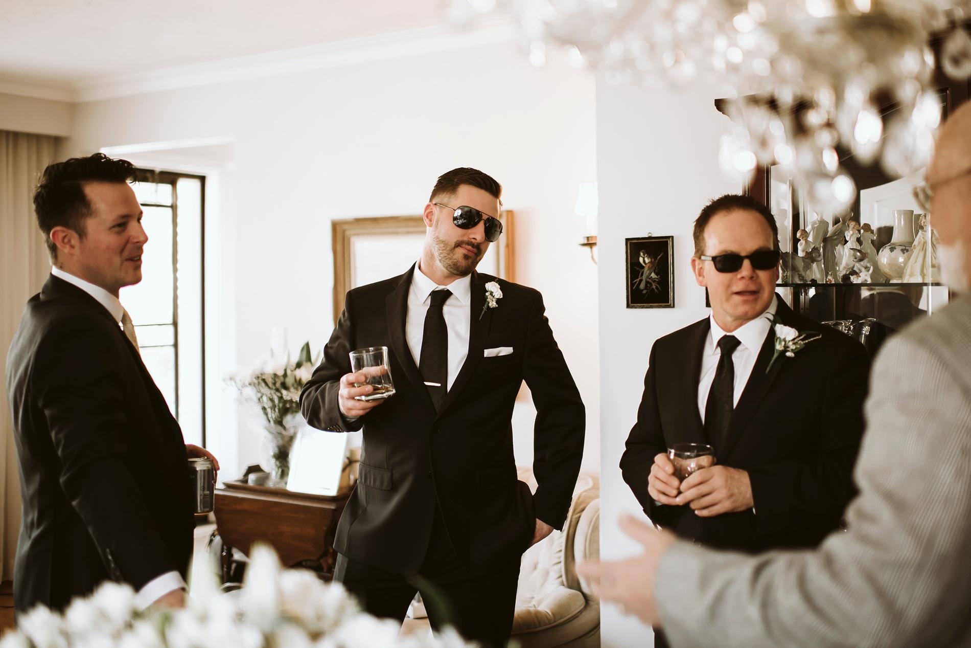 Best_Toronto_Wedding_Photographers_Glenerin_Inn_Mississauga_0021.jpg
