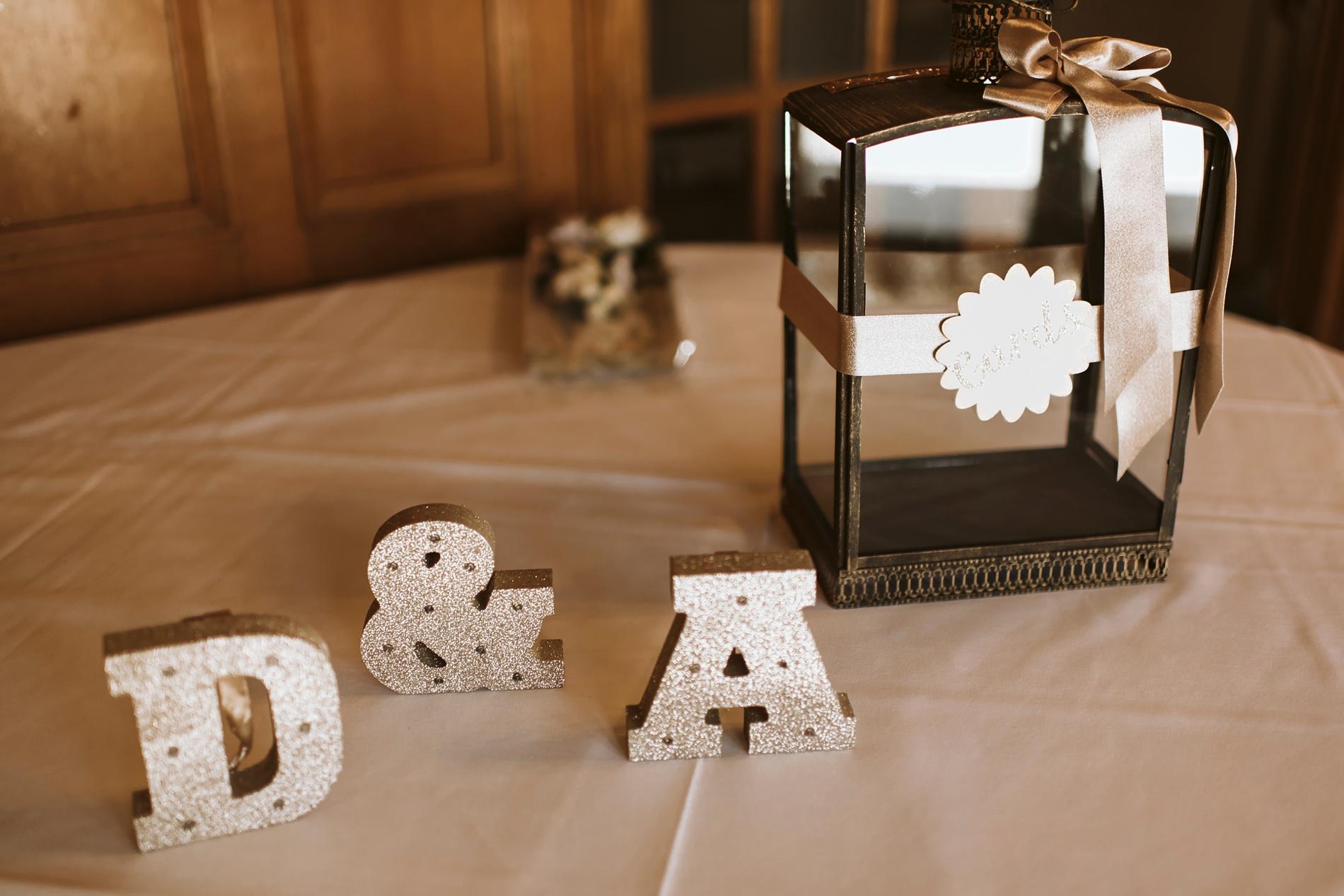 Best_Toronto_Wedding_Photographers_Glenerin_Inn_Mississauga_0023.jpg