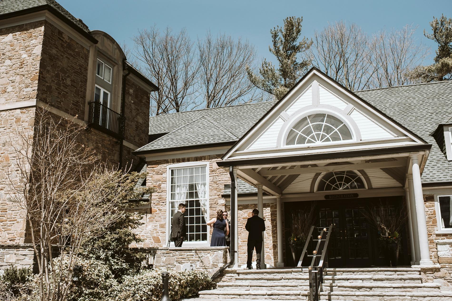Best_Toronto_Wedding_Photographers_Glenerin_Inn_Mississauga_0022.jpg