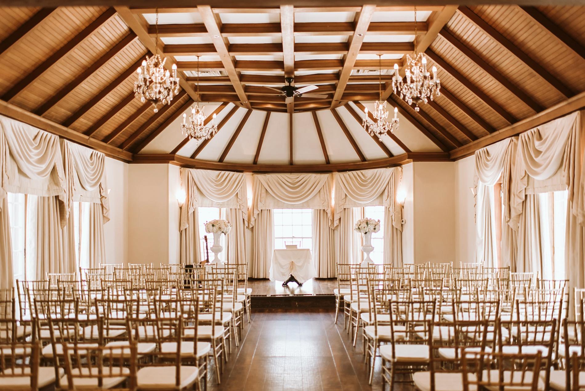 Best_Toronto_Wedding_Photographers_Glenerin_Inn_Mississauga_0024.jpg