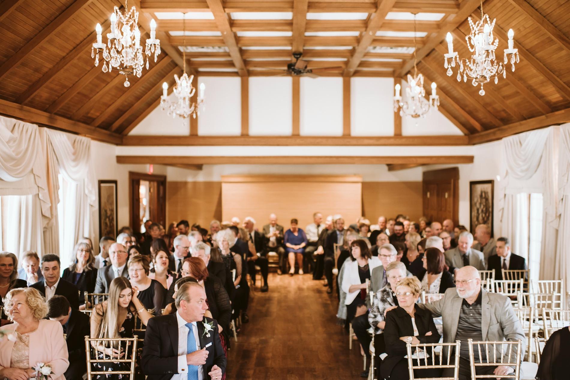 Best_Toronto_Wedding_Photographers_Glenerin_Inn_Mississauga_0026.jpg