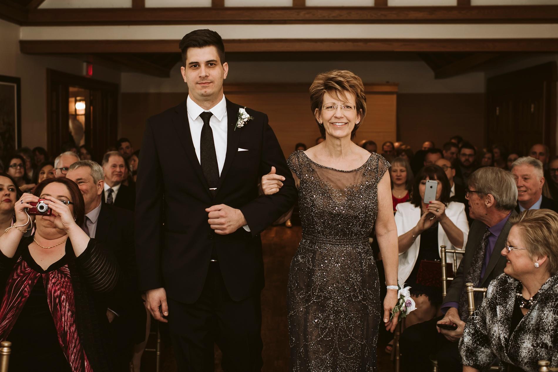 Best_Toronto_Wedding_Photographers_Glenerin_Inn_Mississauga_0028.jpg
