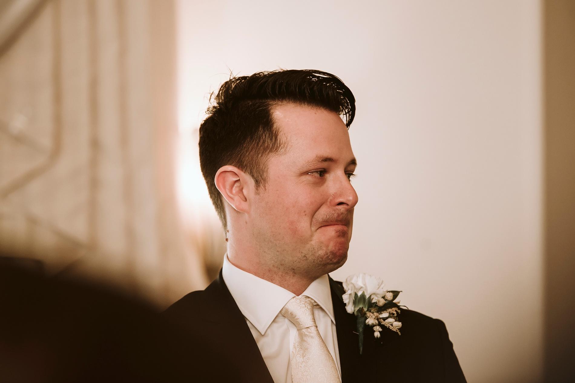 Best_Toronto_Wedding_Photographers_Glenerin_Inn_Mississauga_0031.jpg