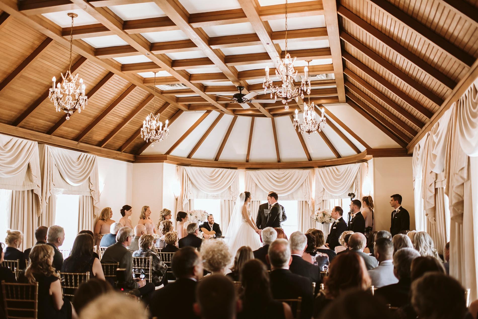 Best_Toronto_Wedding_Photographers_Glenerin_Inn_Mississauga_0033.jpg