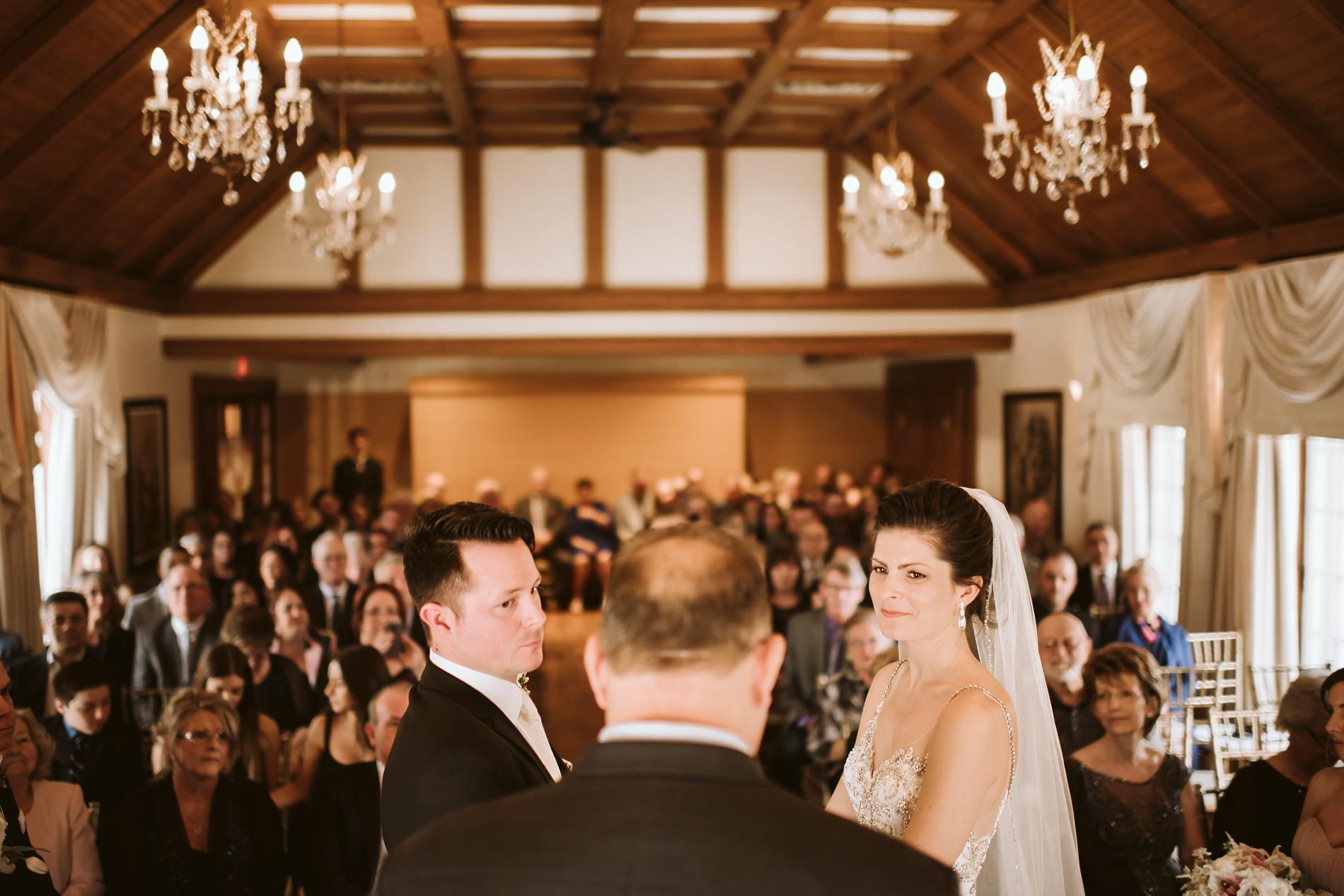 Best_Toronto_Wedding_Photographers_Glenerin_Inn_Mississauga_0035.jpg