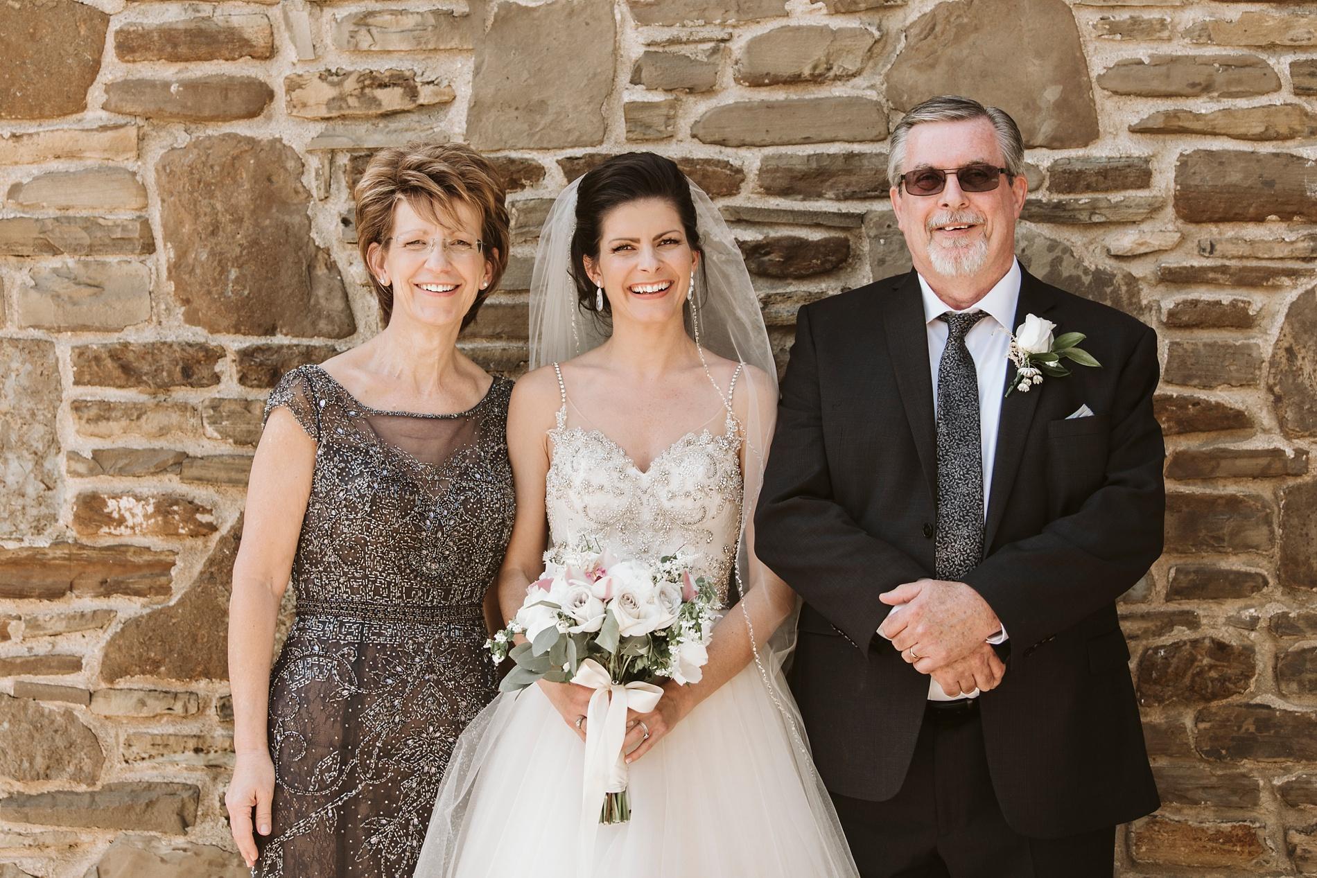 Best_Toronto_Wedding_Photographers_Glenerin_Inn_Mississauga_0039.jpg