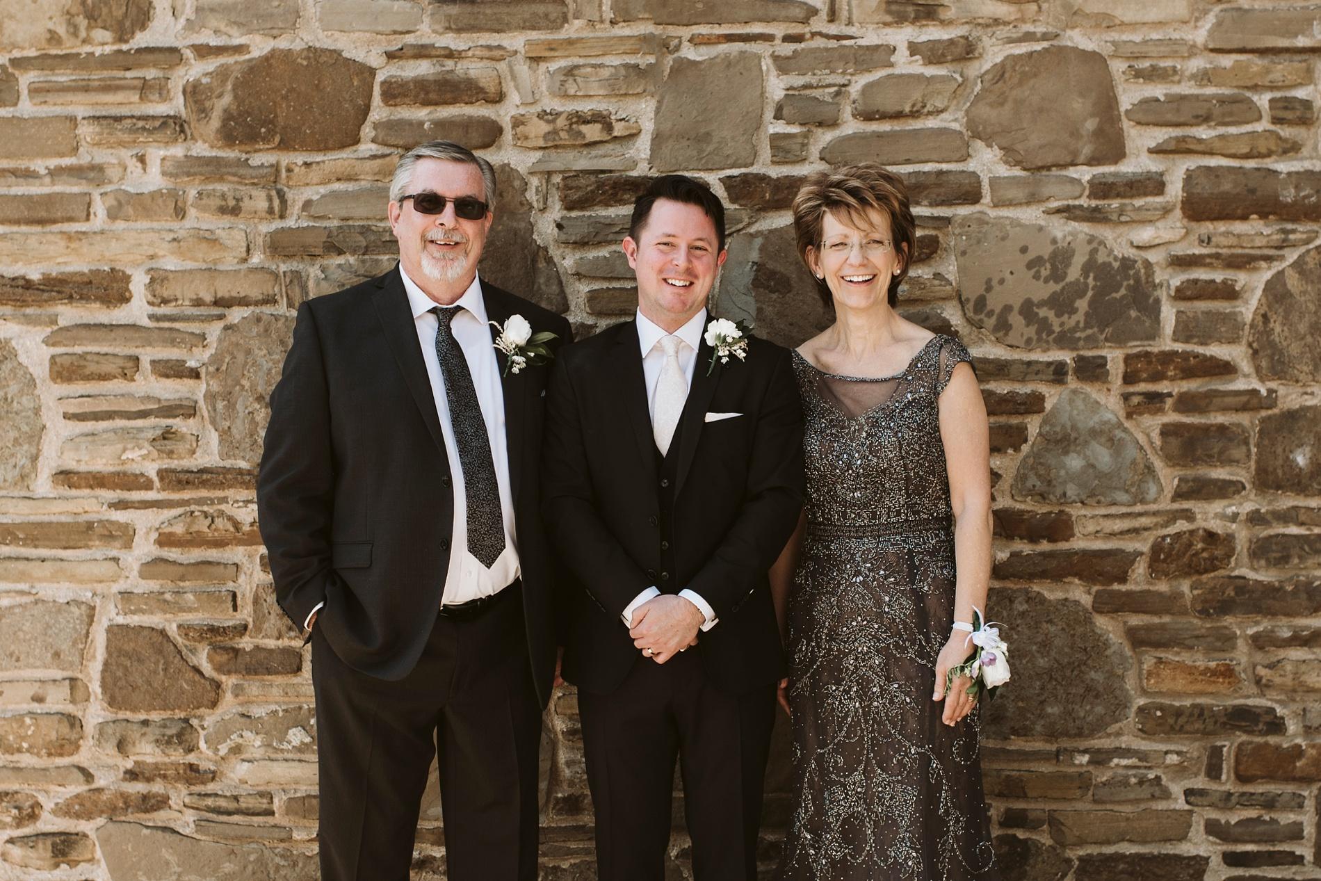 Best_Toronto_Wedding_Photographers_Glenerin_Inn_Mississauga_0041.jpg