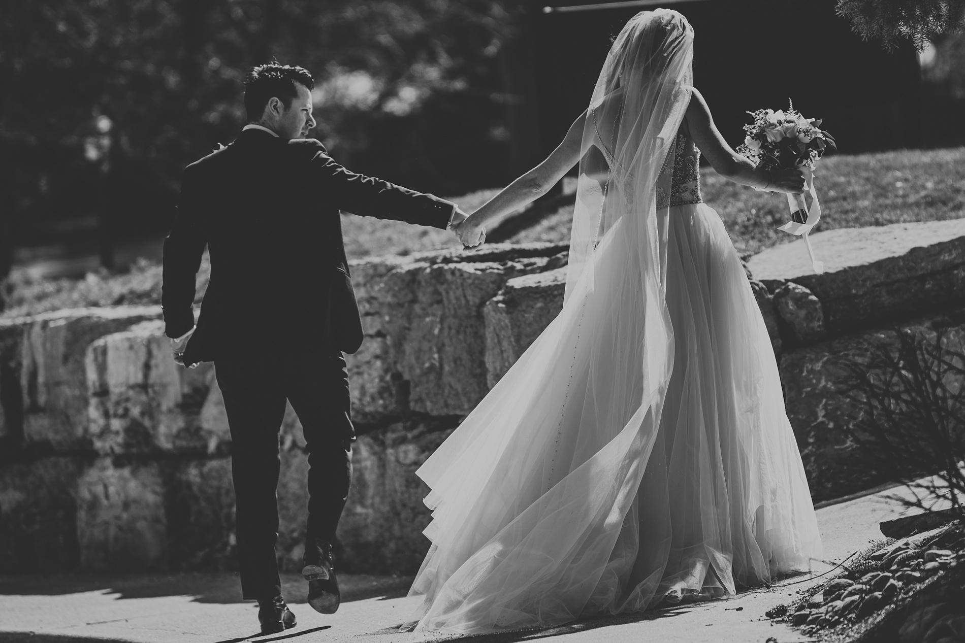Best_Toronto_Wedding_Photographers_Glenerin_Inn_Mississauga_0047.jpg