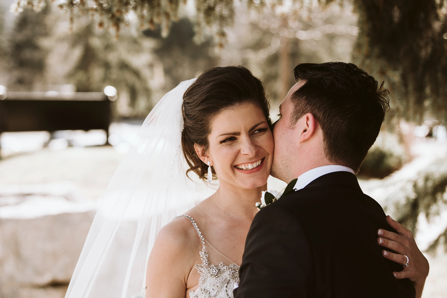 Best_Toronto_Wedding_Photographers_Glenerin_Inn_Mississauga_0054.jpg