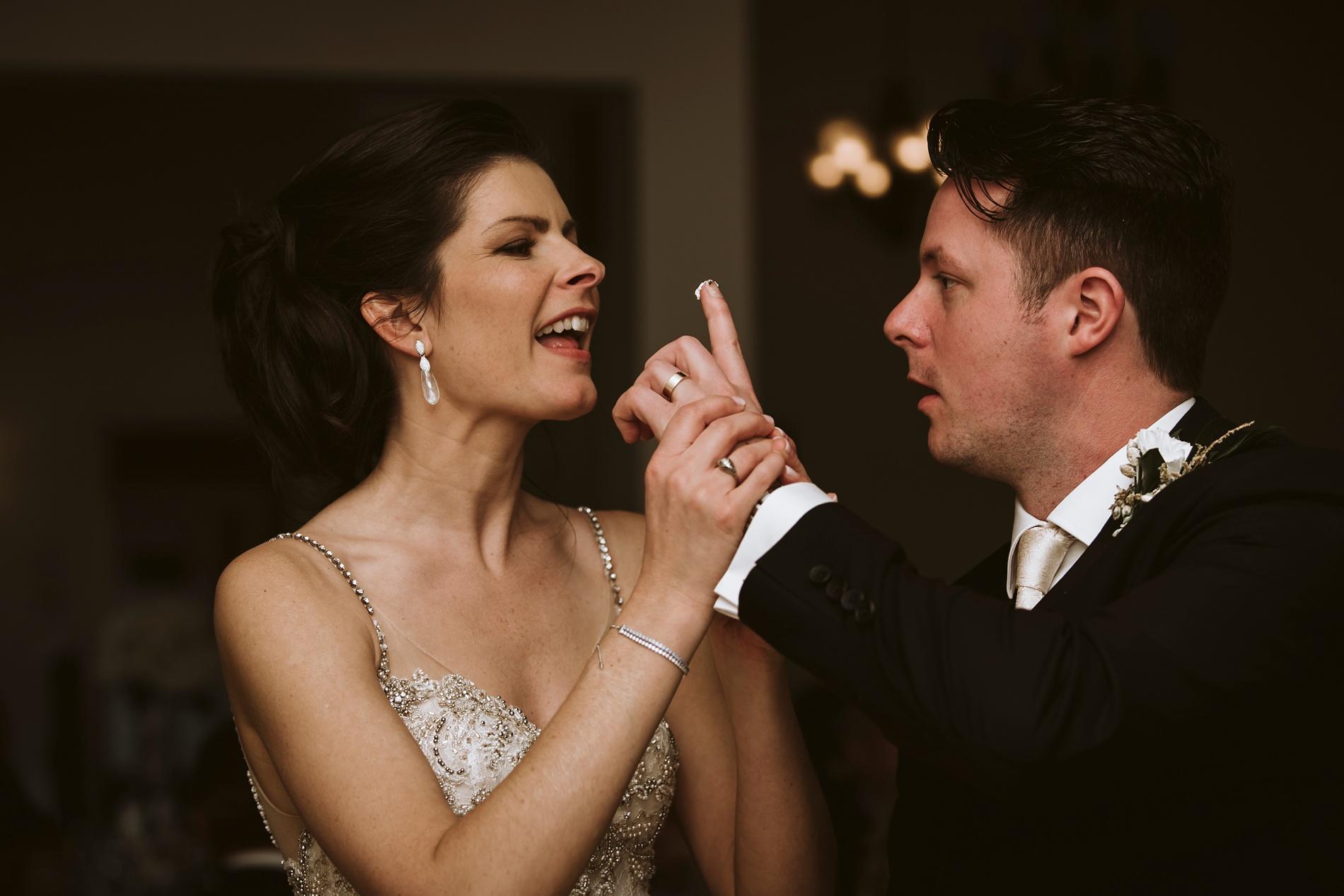 Best_Toronto_Wedding_Photographers_Glenerin_Inn_Mississauga_0079.jpg
