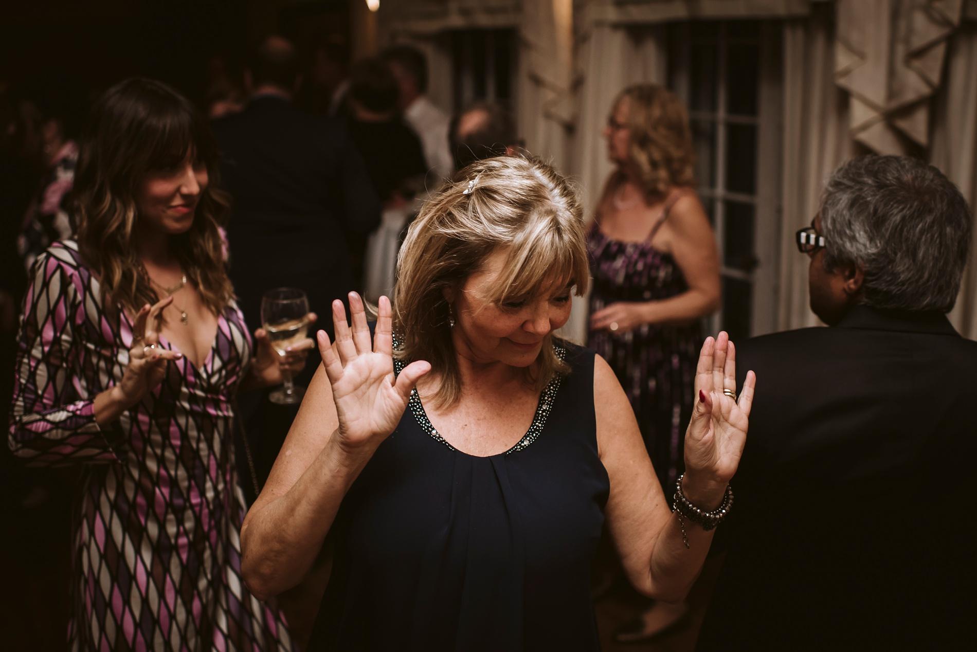 Best_Toronto_Wedding_Photographers_Glenerin_Inn_Mississauga_0091.jpg