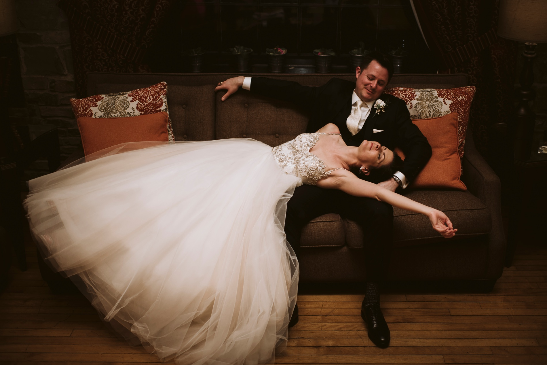 Best_Toronto_Wedding_Photographers_Glenerin_Inn_Mississauga_0097.jpg