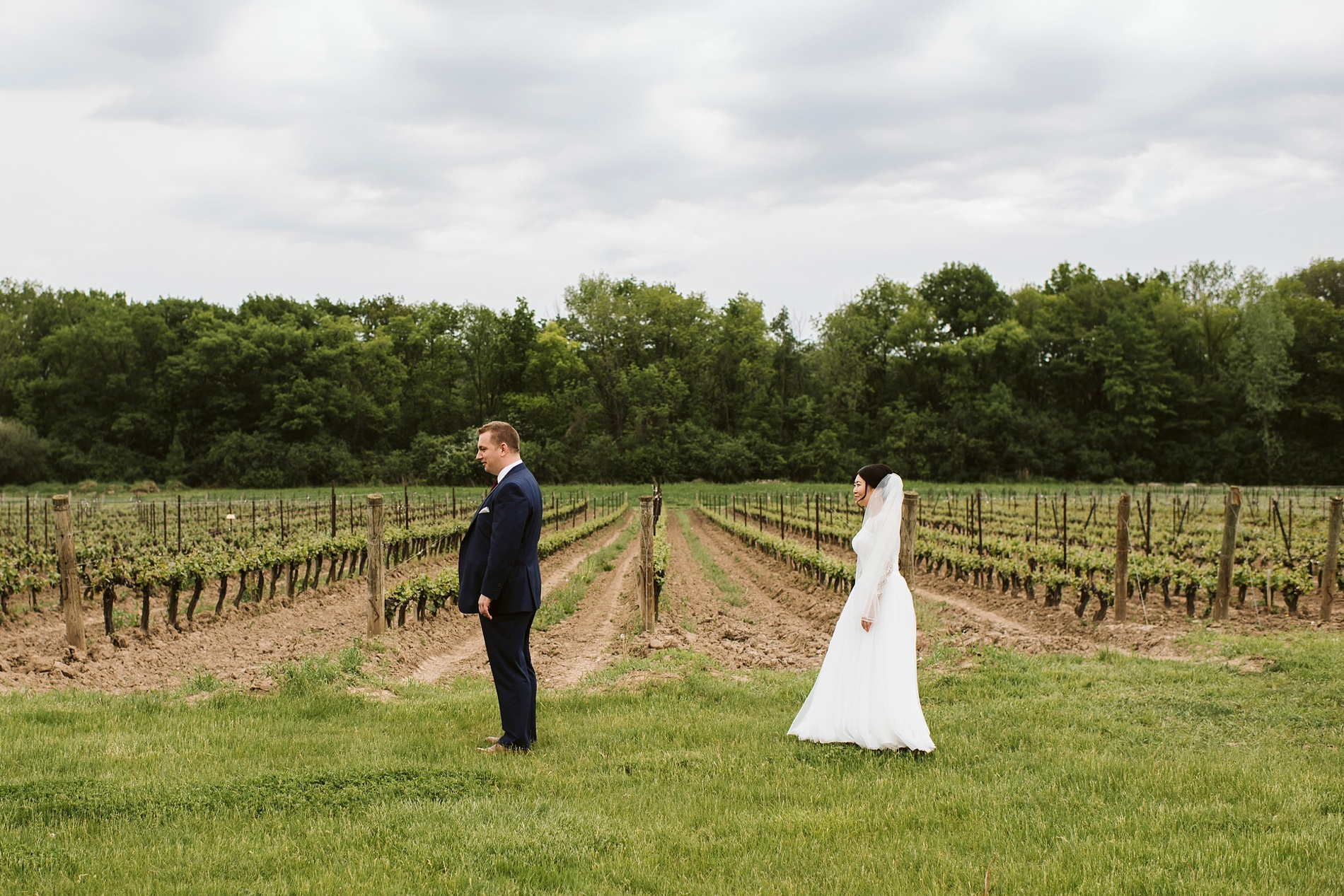 Best_Toronto_Wedding_Photographer_Niagara_Chateaux_des_Charmes_0016.jpg