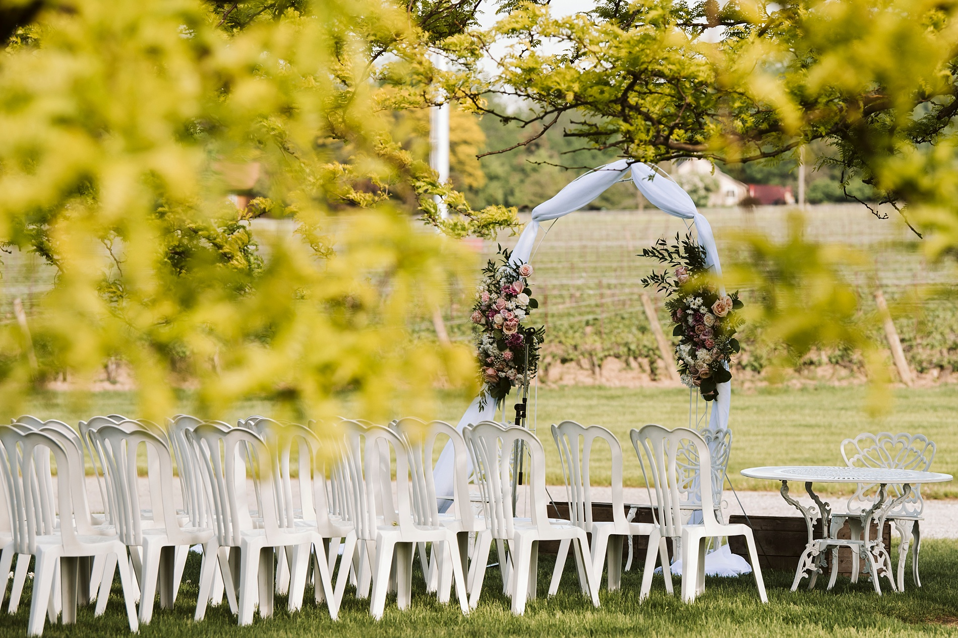 Best_Toronto_Wedding_Photographer_Niagara_Chateaux_des_Charmes_0033.jpg