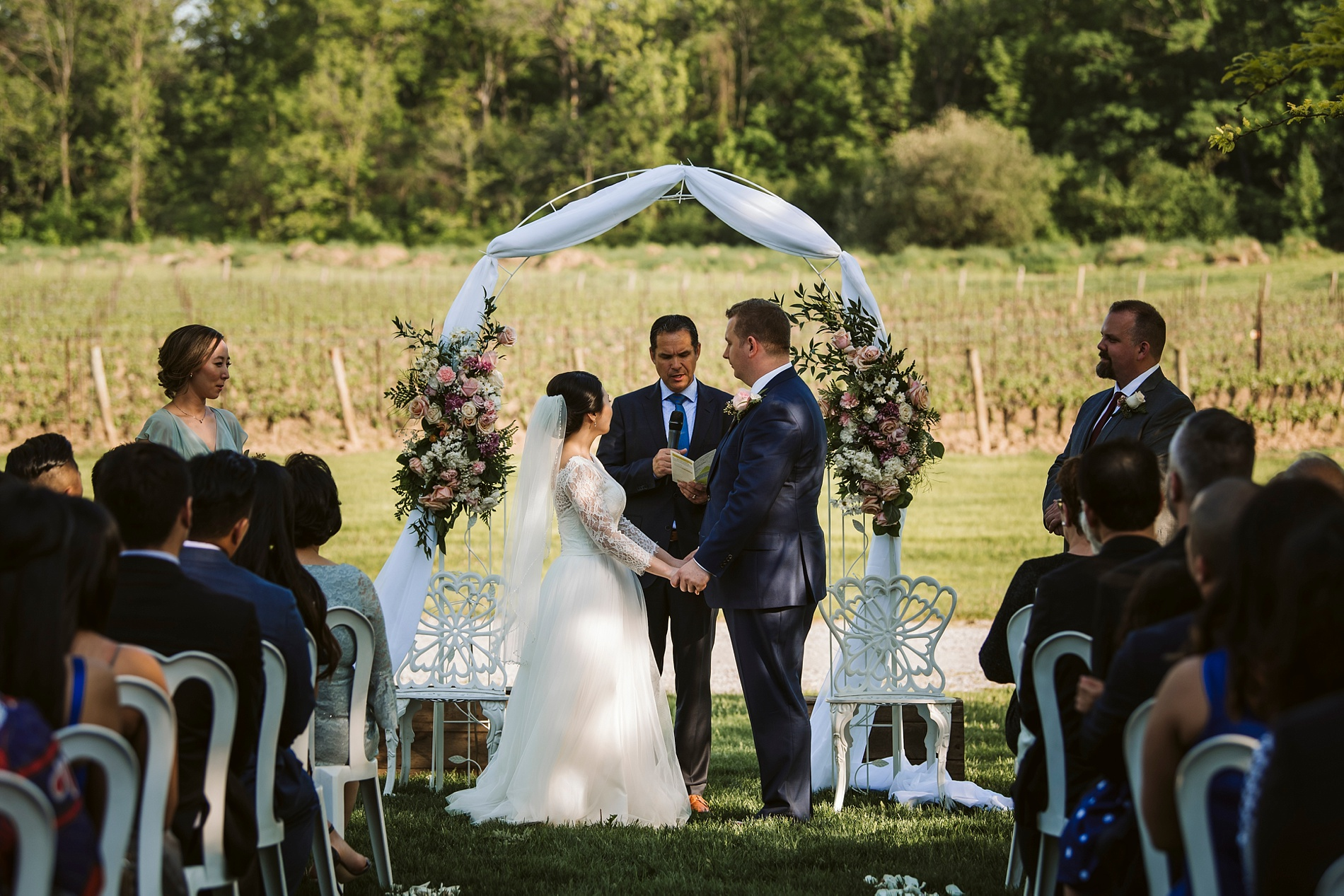 Best_Toronto_Wedding_Photographer_Niagara_Chateaux_des_Charmes_0038.jpg