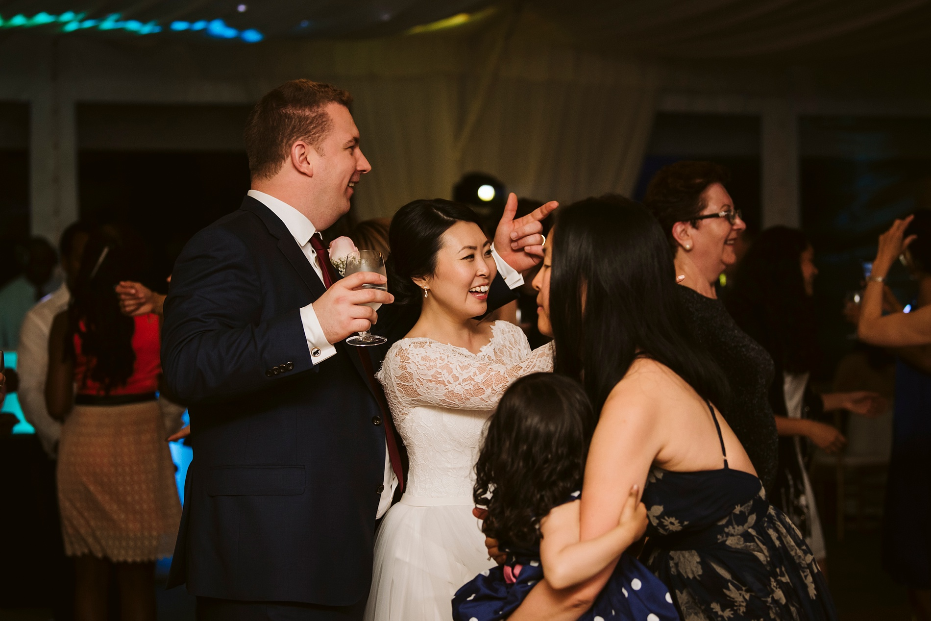 Best_Toronto_Wedding_Photographer_Niagara_Chateaux_des_Charmes_0108.jpg
