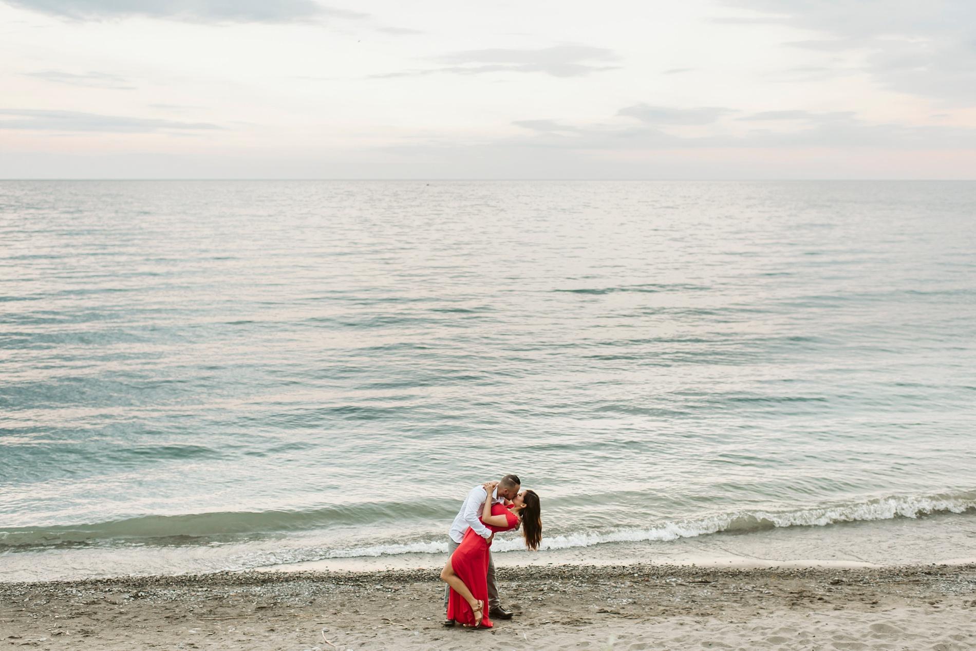 Scarborough_Bluffs_engagement_shoot_Best_Toronto_Wedding_Photographers_0015.jpg