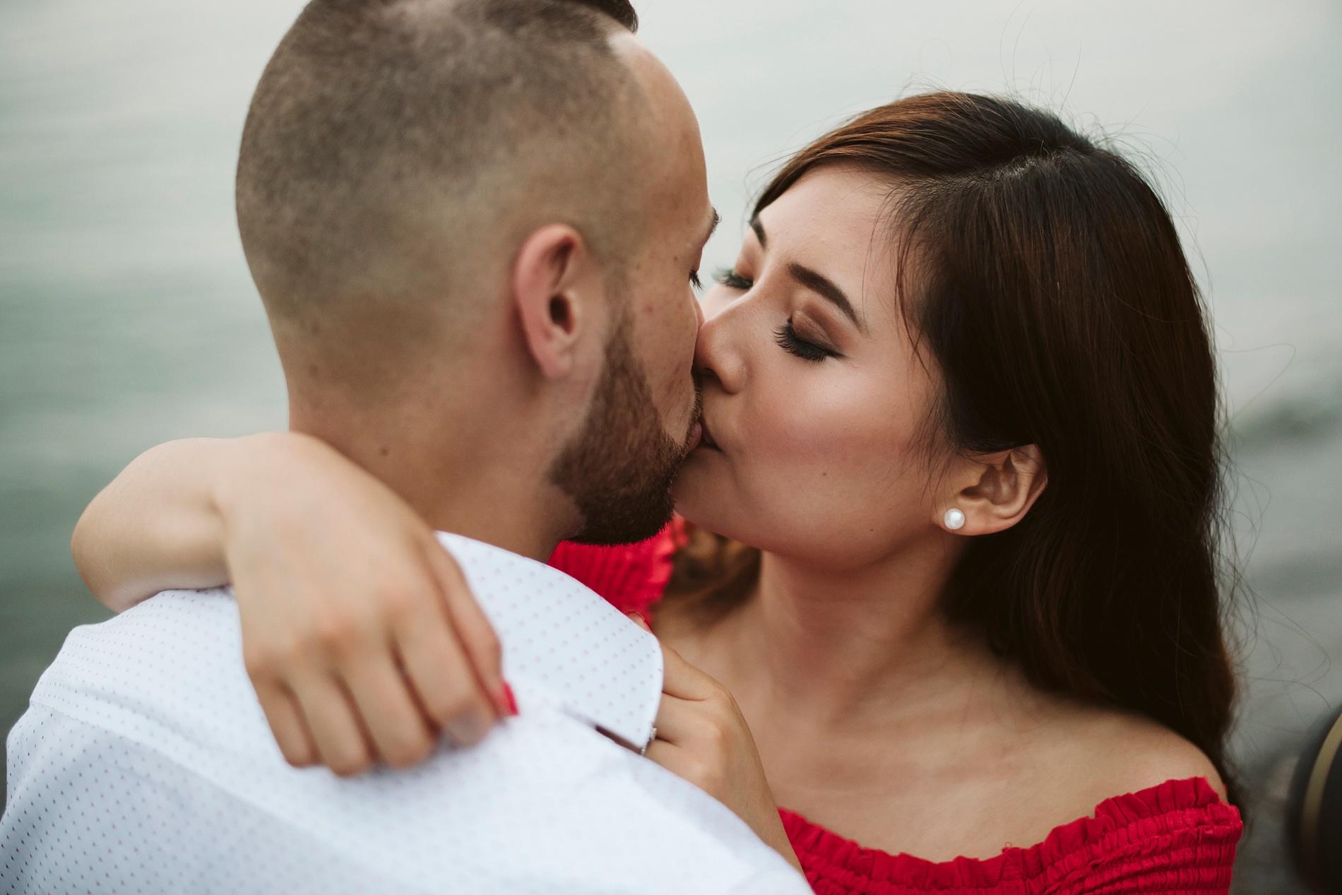 Scarborough_Bluffs_engagement_shoot_Best_Toronto_Wedding_Photographers_0023.jpg